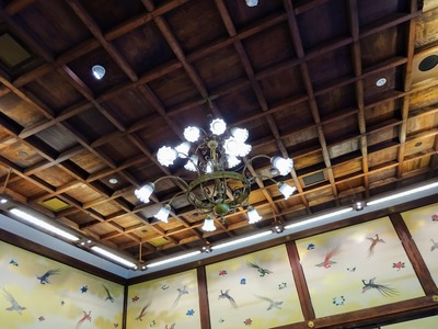 シャンデリアと天井