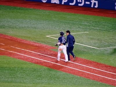 岡田デッドボール