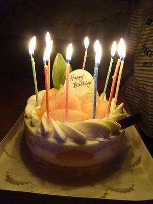 桃のアニバーサリーケーキ