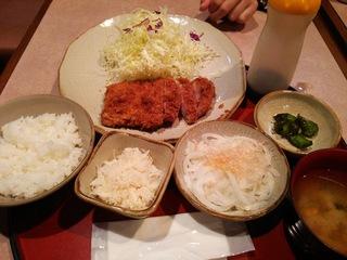 辛味大根おろしひれかつ定食(1,150円)