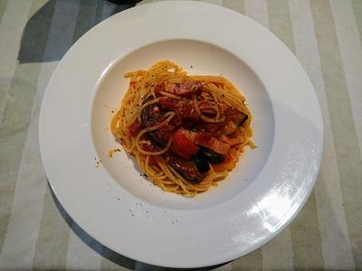 茄子とベーコンのトマトソーススパゲティ