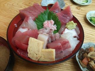 海鮮丼(1,100円)