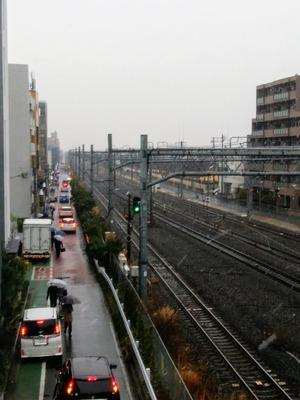 雪の辻堂駅